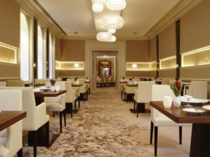 Munich's Dining House 8